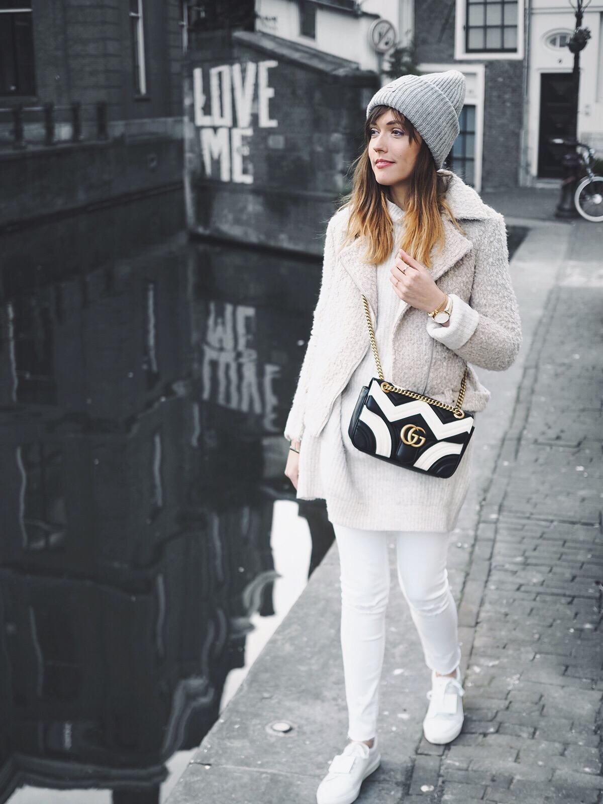 White & gold: the perfect winter combination