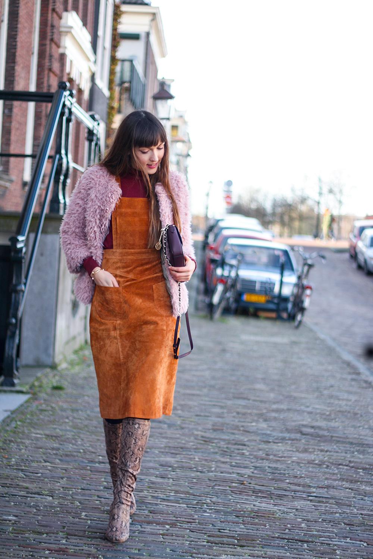 autumn-colours-suede-pinafore-dungaree-dress-asos-colmar-faux-fur-fashion-blogger-outfit-3