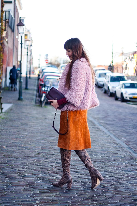 autumn-colours-suede-pinafore-dungaree-dress-asos-colmar-faux-fur-fashion-blogger-outfit-6