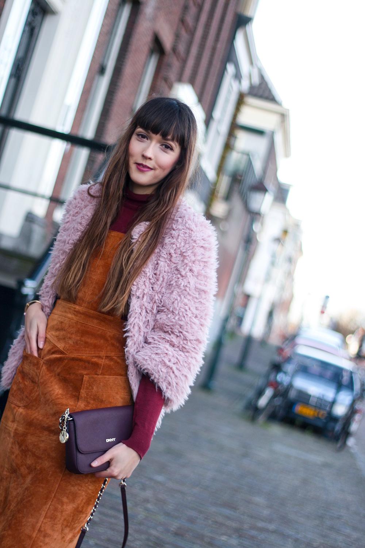 autumn-colours-suede-pinafore-dungaree-dress-asos-colmar-faux-fur-fashion-blogger-outfit-9