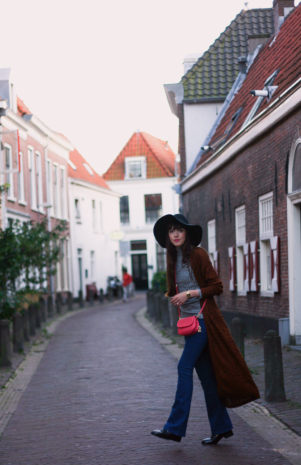 autumn-knits-seventies-fashion-blogger-celez-amsterdam-outfit-6