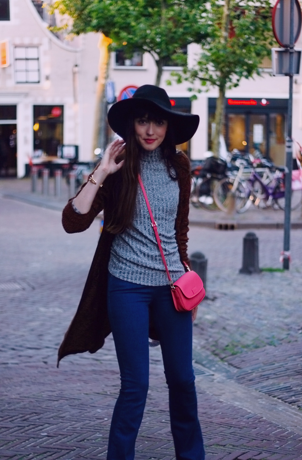 autumn-knits-seventies-fashion-blogger-celez-amsterdam-outfit-7