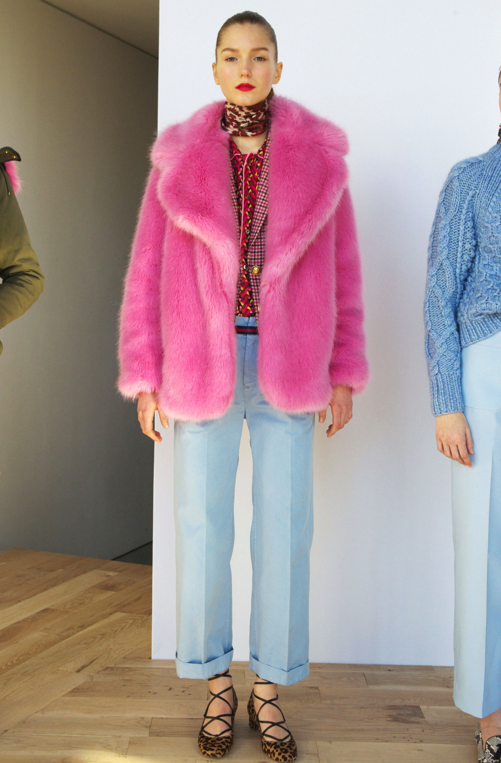 Pink Faux Fur Coat Photo Album - Reikian