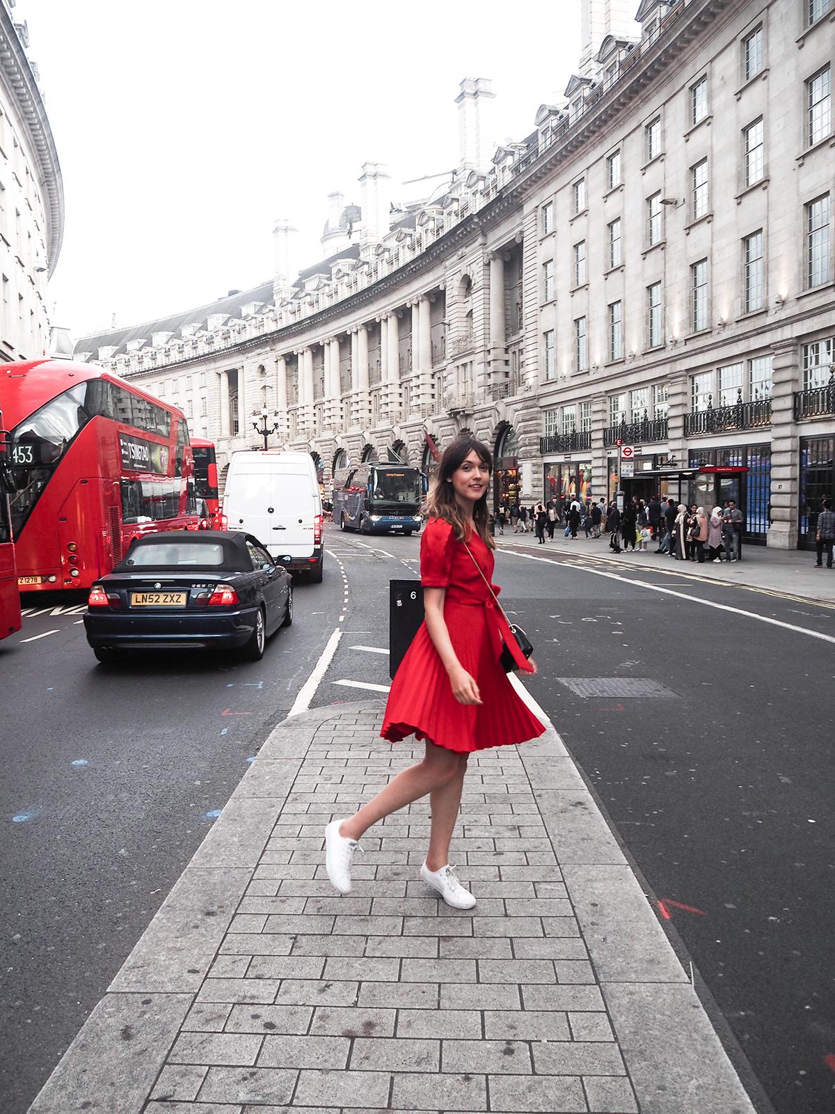 karen-millen-red-dress-converse-shoes-furla-bag-2