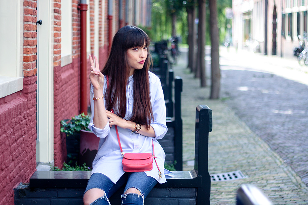 Oversized shirt, skinny jeans: the perfect casual outfit