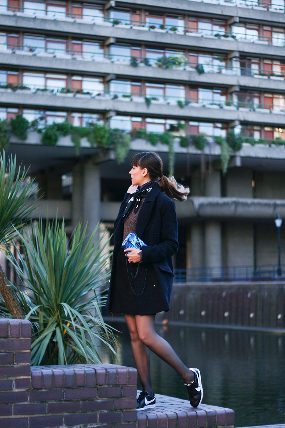 the-barbican-fashion-blogger-outfit-photoshoot-sandro-scarf-lurex-top-turnover-skirt-nike-cortez-trainers-1