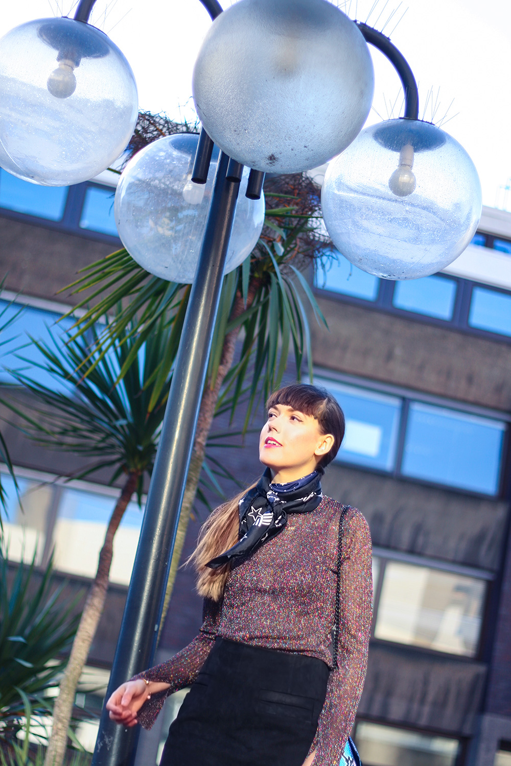 the-barbican-fashion-blogger-outfit-photoshoot-sandro-scarf-lurex-top-turnover-skirt-nike-cortez-trainers-5